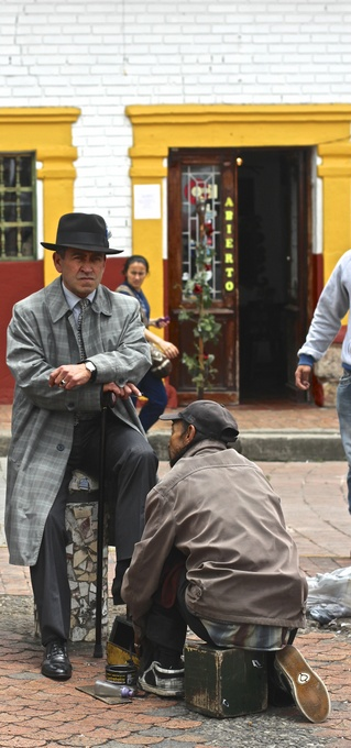 Cachaco shoe shine, Bogota, Colombia