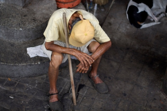 Old man with cane, Girardot Colombia