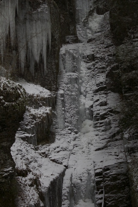 Silver Thread Falls frozen