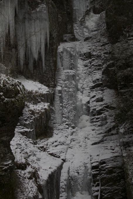 Silver Thread Falls frozen